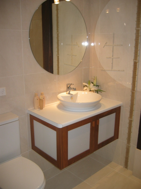 Ensuite Vanity with Timber