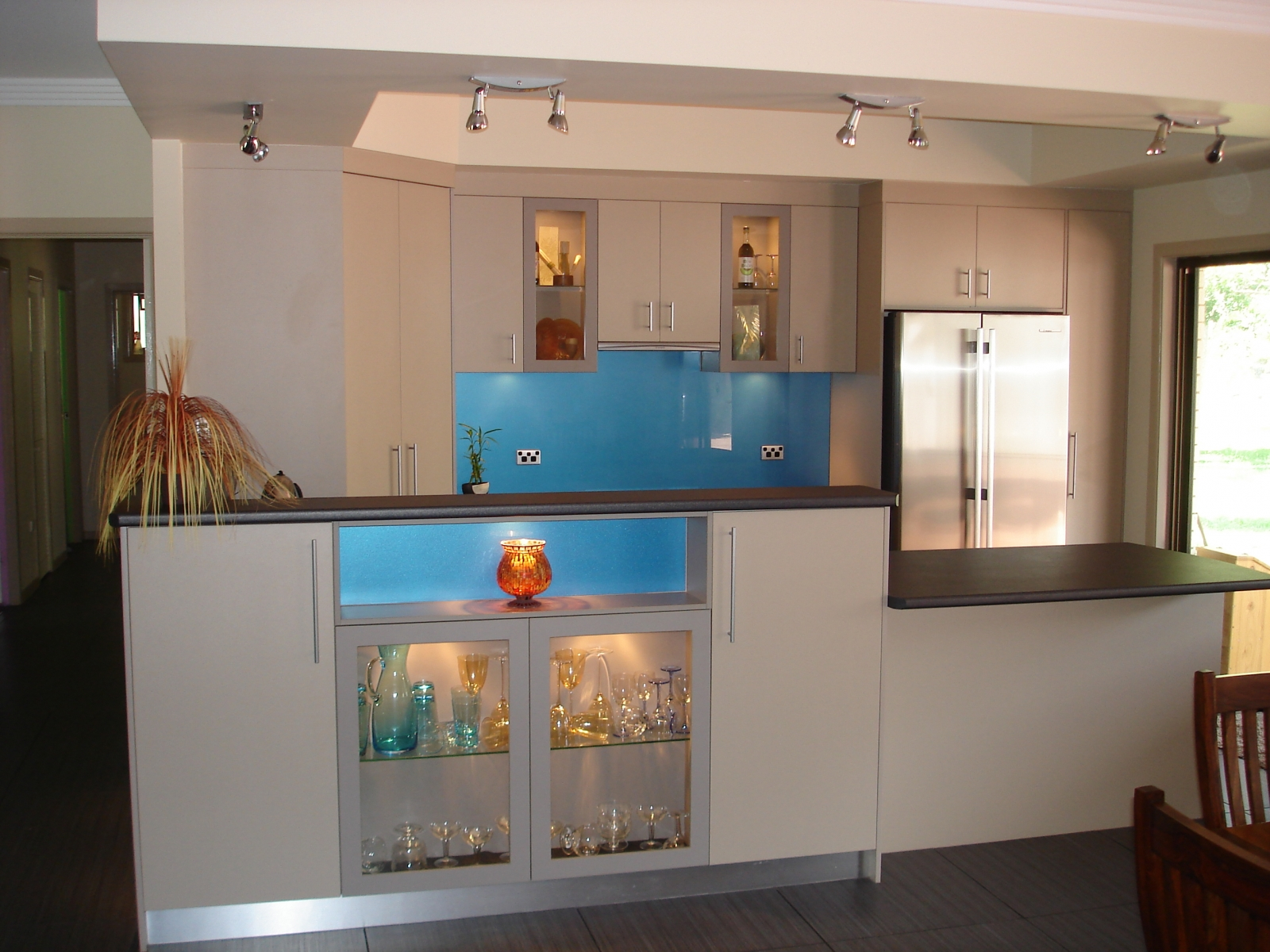 Kitchen Servery With Display Cupboard