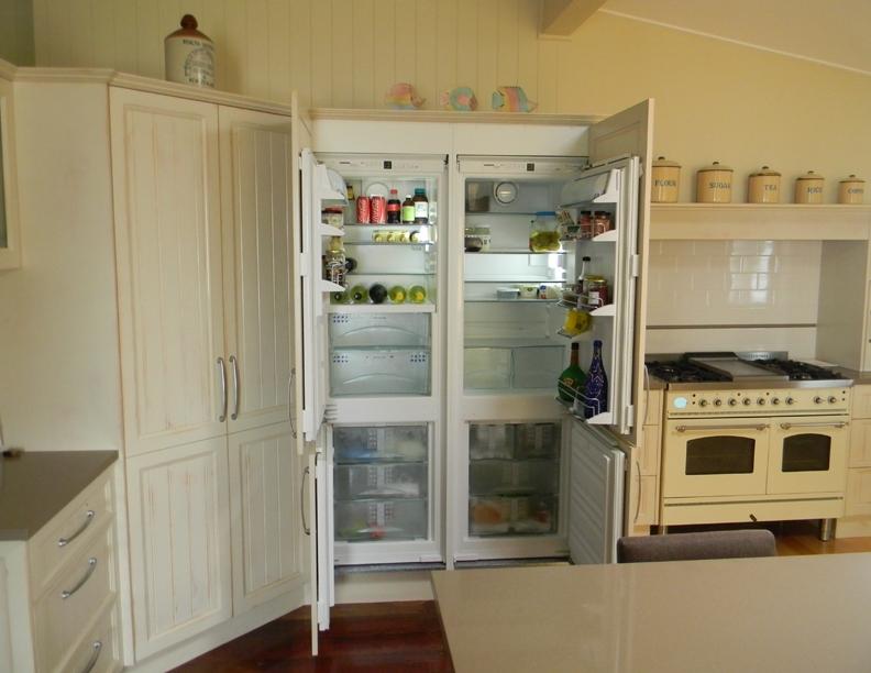 Concealed two door fridge