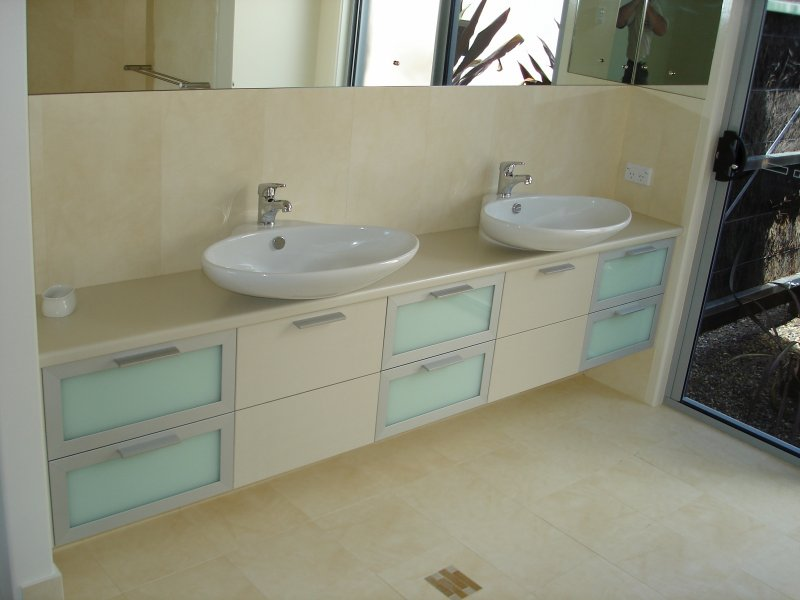 Double Vanity with Full Width Mirror